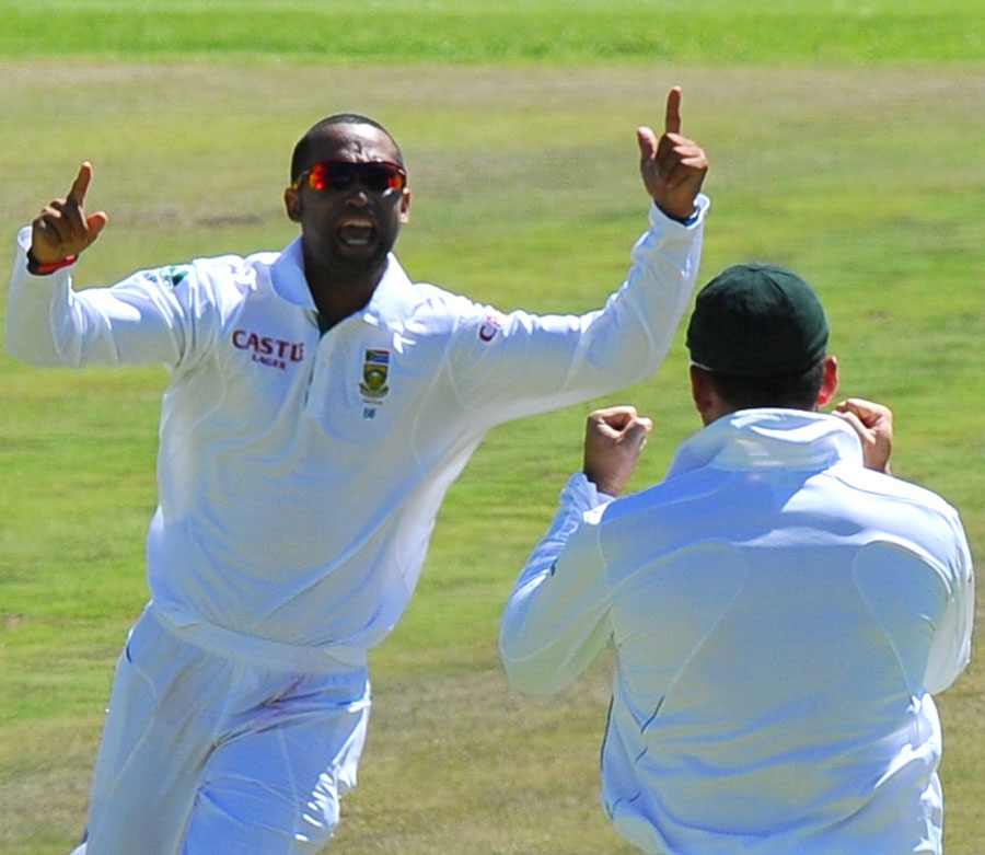 Robin Peterson is pumped up after the wicket of Misbah-ul-Haq