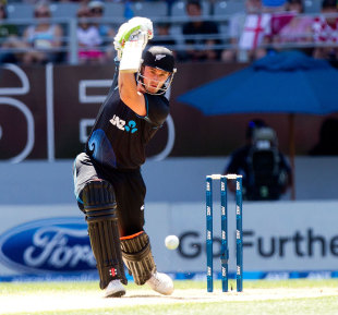 Hamish Rutherford tried to be aggressive before edging behind, New Zealand v England, 3rd ODI, Auckland, February 23, 2013
