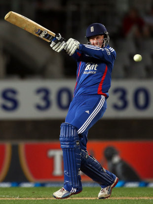 Joe Root again saw England home, New Zealand v England, 3rd ODI, Auckland, February 23, 2013