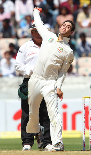 Glenn Maxwell in his bowling stride, India v Australia, 2nd Test, Hyderabad, 2nd day, March 3, 2013