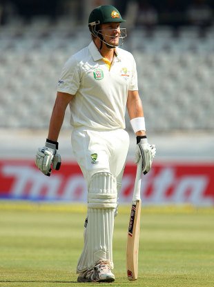 Shane Watson walks back after another failure, India v Australia, 2nd Test, Hyderabad, 4th day, March 5, 2013