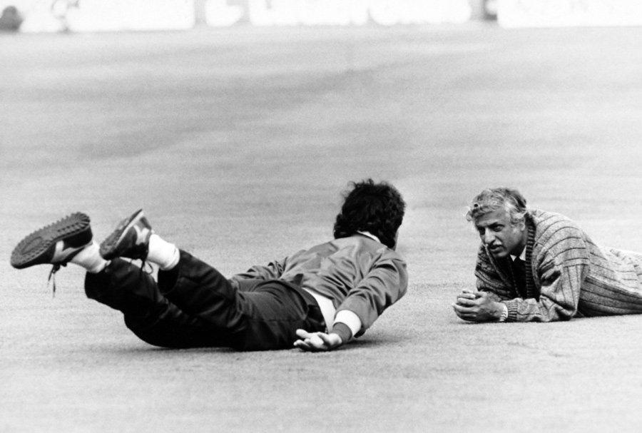 The exercise that helped Imran (here with team manager Haseeb Ahsan in 1987) strengthen his back and avoid injuries