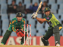 Younis Khan gets aggressive against the spinners