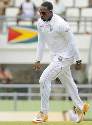 Shane Shillingford was among the wickets again, West Indies v Zimbabwe, 2nd Test, Dominica, 3rd day, March 22, 2013