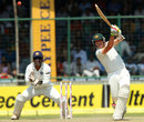 Peter Siddle hits down the ground, India v Australia, 4th Test, Delhi, 3rd day, March 24, 2013