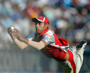 Gurkeerat Singh completes an outstanding catch at long leg, Pune Warriors v Kings XI Punjab, IPL, Pune, April 7, 2013