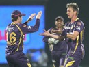 Brett Lee and Eoin Morgan celebrate Shane Watson's wicket, Rajasthan v Kolkata, IPL 2013, Jaipur, April 8, 2013