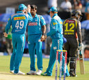 Ashok Dinda dismisses Quinton de Kock, Pune Warriors v Sunrisers Hyderabad, IPL, Pune, April 17, 2013