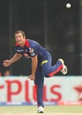 Roelof van der Merwe bowls in his first game of the season, Delhi Daredevils v Mumbai Indians, IPL, Delhi, April 21, 2013