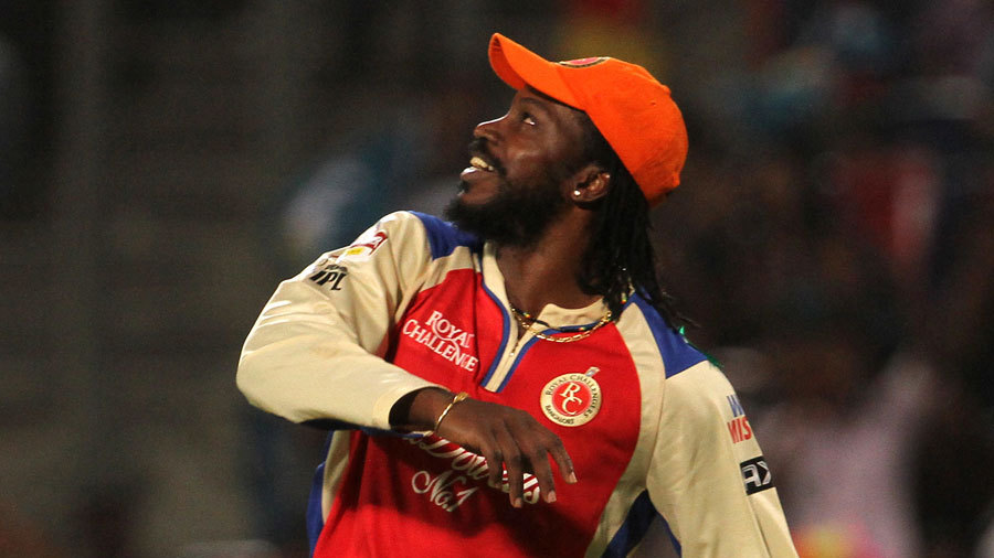Chris Gayle took the catch to dismiss Angelo Mathews