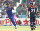 Stuart Binny claps after taking the wicket of David Warner, Rajasthan Royals v Delhi Daredevils, IPL, Jaipur, May 7, 2013