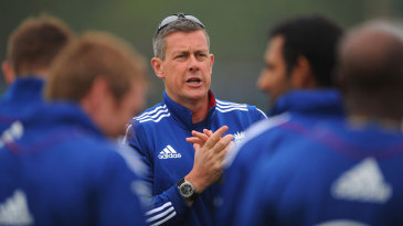Ashley Giles talks to his players