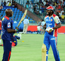 Delhi Daredevils mentor, Sir Viv Richards shares a few laughs with Chris Gayle