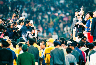 Arjuna Ranatunga with the World Cup trophy, Sri Lanka v Australia, 17 March 1996