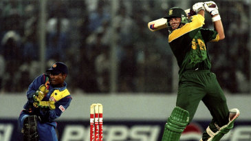 Jacques Kallis cuts one on his way to an unbeaten century