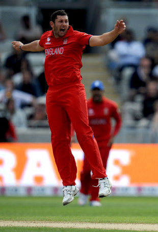 England's bowlers dominated Australia