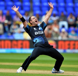 Daniel Vettori struck in his first over on his comeback, New Zealand v Sri Lanka, Champions Trophy, Group A, Cardiff, June 9, 2013