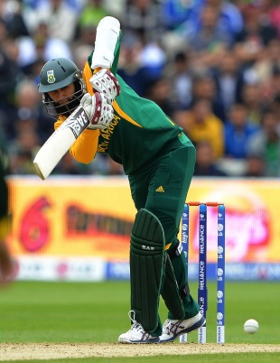 Hashim Amla's 81 underpinned a total that proved well beyond Pakistan