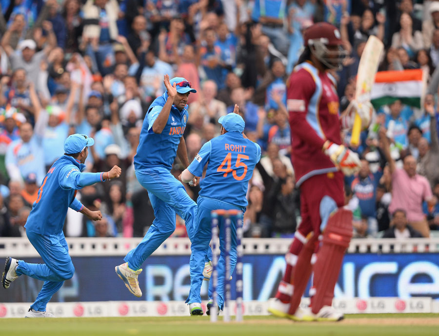 Windies snatch win from India, reach final of WT20