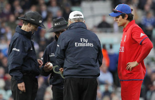 Alastair Cook was not impressed when the ball was changed, England v Sri Lanka, Champions Trophy, Group A, The Oval, June 13, 2013