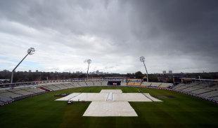 Dashing India against dogged England
