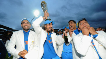 Ishant Sharma clowns around with the trophy