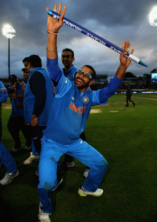 Shikhar Dhawan gets down to bhangra after India won, England v India, Champions Trophy final, Edgbaston, June 23, 2013