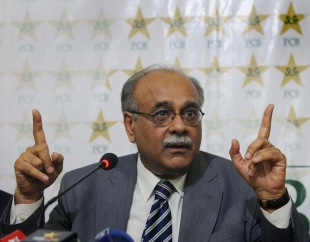 Najam Sethi, the interim PCB chief, addresses a press conference, Lahore, June 24, 2013
