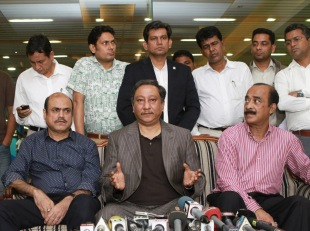 BCB president Nazmul Hassan addresses the media, Dhaka, July 1, 2013