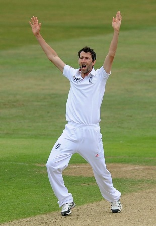 Graham Onions appeals for a wicket, Essex v England, 2nd day, Chelmsford, July 1, 2013