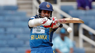 Upul Tharanga pulls to the leg side