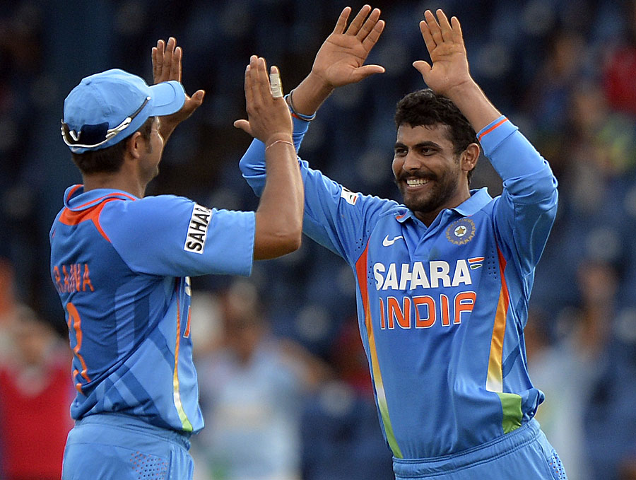 'It's all good now' - Suresh Raina congratulates Ravindra Jadeja on getting a wicket