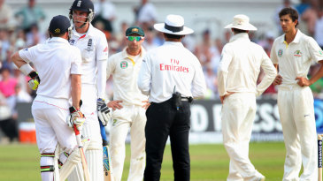 Stuart Broad didn't walk after edging to slip