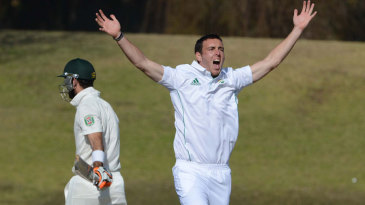 Kyle Abbott appeals for a wicket