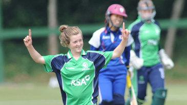 Lucy O'Reilly celebrates a wicket