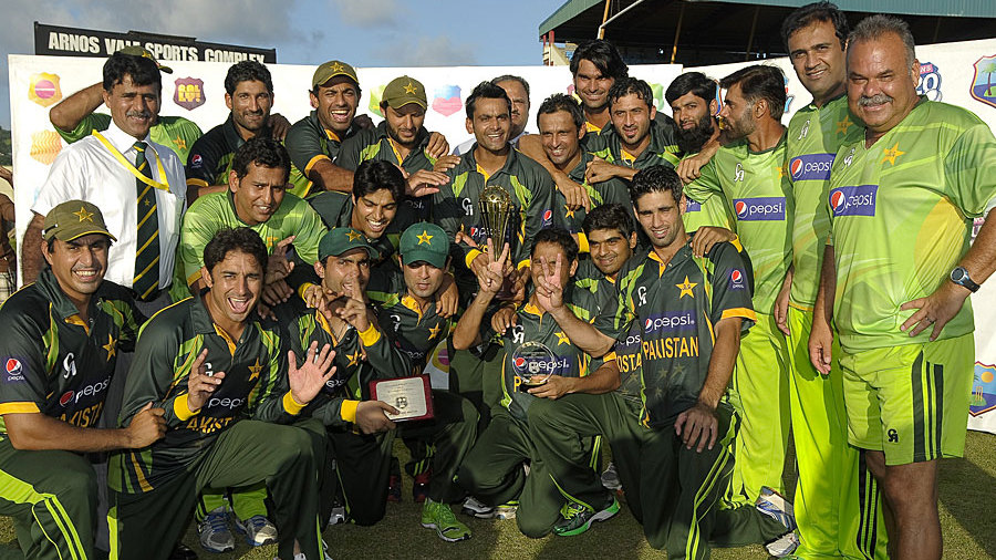 Pakistan pose with the series trophy after sweeping the T20s