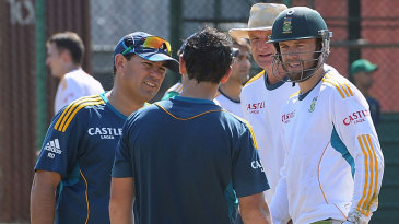 Russell Domingo, Quinton de Kock and AB de Villiers have a little conference