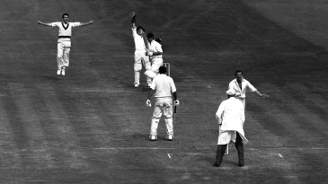 Richie Benaud dismisses Ted Dexter on the final day at Old Trafford