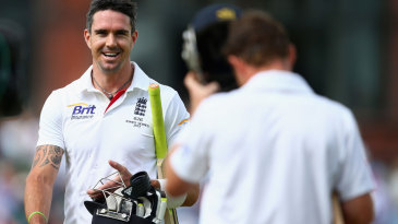 Kevin Pietersen and Ian Bell added a century stand for the fifth wicket