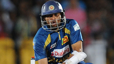 Tillakaratne Dilshan shapes to play the Dilscoop