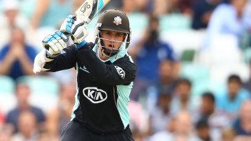 Steven Davies gave Surrey's chase a bright start