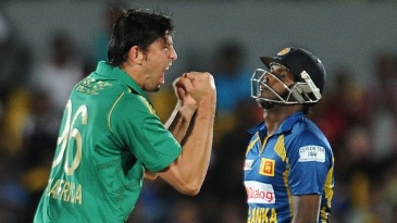 David Wiese celebrates Angelo Mathews' wicket