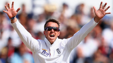 Graeme Swann struck early on the third morning