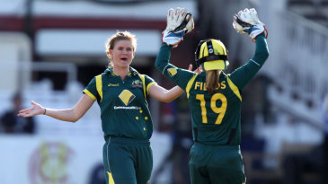 Jess Jonassen picked up four wickets