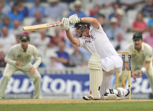 Chris Woakes opened his Test run tally in impressive style, England v Australia, 5th Investec Test, The Oval, 3rd day, August 23, 2013