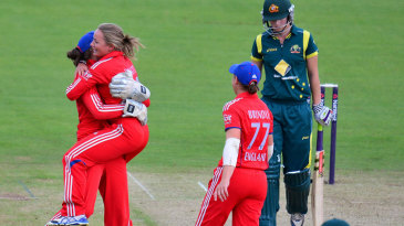 Danielle Wyatt celebrates after dismissing Meg Lanning