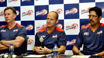 Gary Kirsten with Eric Simons (left) and TA Sekar at a press conference