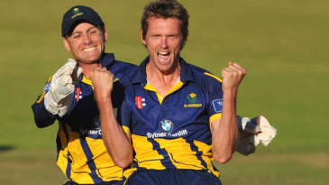 Michael Hogan took 5 for 51 to help send Glamorgan into the final