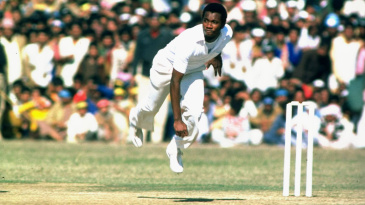 Malcolm Marshall took 4 for 52 in Pakistan's second innings