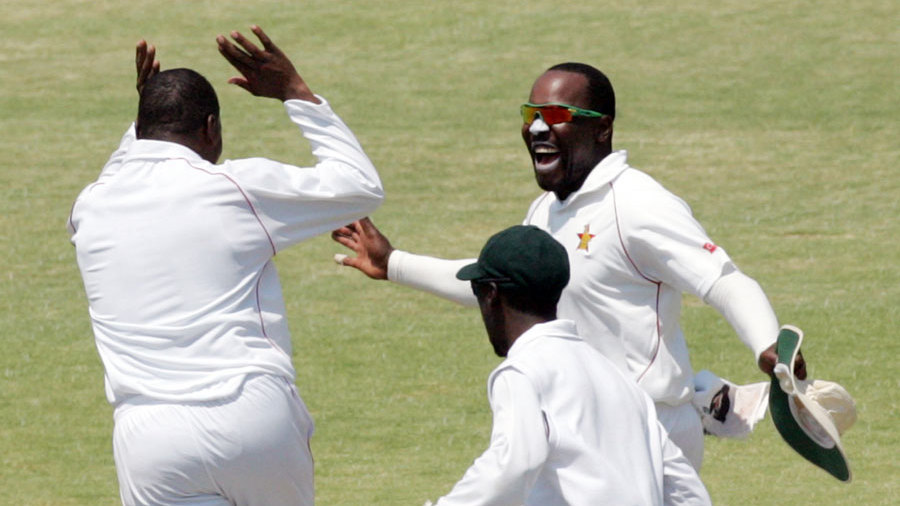 Hamilton Masakadza exults after a wicket